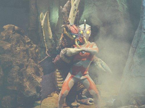 大蟻超獣対ウルトラ兄弟