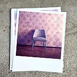 Süße Fotokarte im Retro Polaroid Stil Vintage Sessel