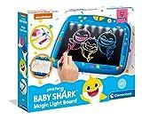Clementoni-18617 - Baby Shark - Pizarra mágica con luz - pizarra infantil con luz a partir de 4...
