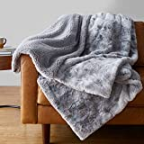 Amazon Basics Fuzzy Faux Fur Sherpa Blanket, Full/Queen, 90'x92' - Grey Tie Dye