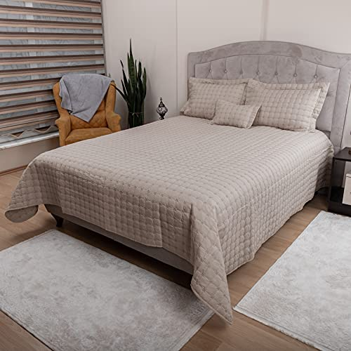 DOWRY WORLD Store Tagesdecke Set aus Baumwollsatin, Bettüberwurf Doppelbett 260x260 cm, Gesteppte Decke mit Kissen 60x80 cm, Sofaüberwurf Bett Decke Gesteppt, Wohndecke Ganzjährig (Cappucino)