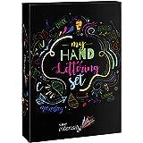 BIC 999399 My Hand Lettering Set con Pennarelli in Feltro BIC Intensity Fine (x20 / 0.4 mm), Medium (x12 / 0.7 mm), Dual Tip (x12 / Fine + Brush) e Fogli per Calligrafia, Cofanetto da 44 Pezzi