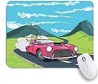 KAPANOU マウスパッド、車のブロンドの女の子がロードプリントでドライブ おしゃれ 耐久性が良い 滑り止めゴム底 ゲーミングなど適用 マウス 用ノートブックコンピュータマウスマット