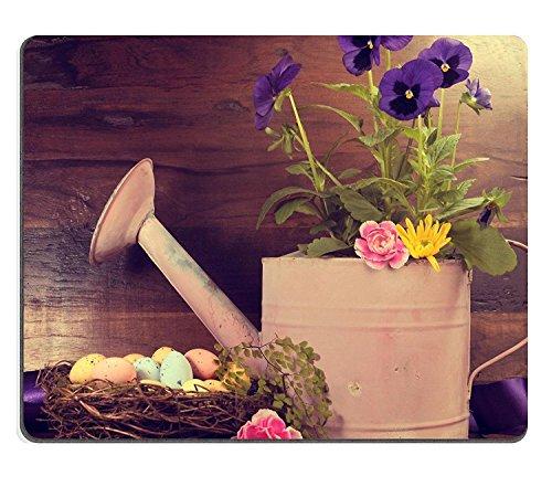 Luxlady Gaming Mousepad IMAGE ID: 27124568 Retro Vintage Gelukkig Pasen of Lente scène met roze gieter kan pansy bloemen en vogels nestelen met eieren tegen een donkere vintage gerecycled hout terug