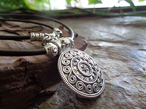 ◦ • ● ◉✿ MARAVILLOSO AMULETO MANDALA ✿◉ ● • ◦ Collar marrón oscuro, cadena de cuero con colgante étnico decorado