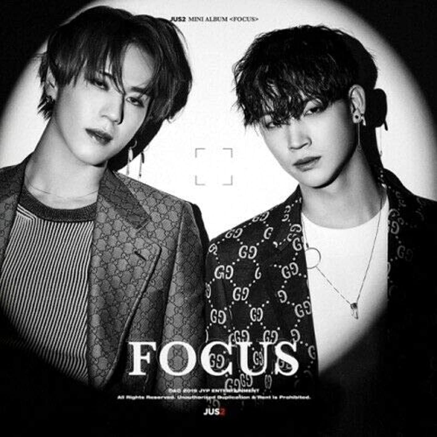 GOT7 Unit JUS2 - [Focus] Mini Album A ver. CD+1p Folded Poster+1p Lyrics Poster/On+84p PhotoBook+2p PhotoCard+1p Unit PhotoCard+Accordion Book+Extra PhotoCard Set+Tracking K-POP Sealed
