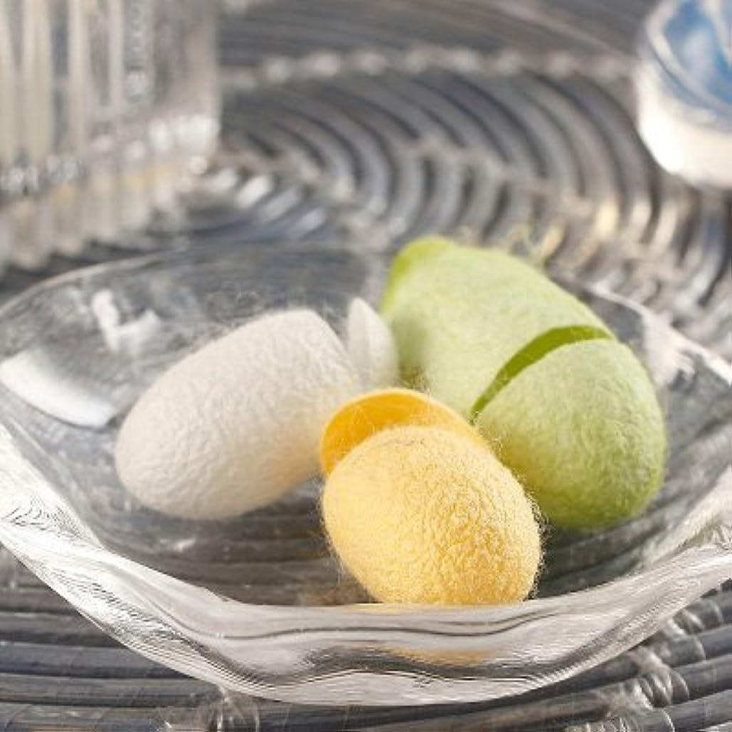 シルク成分でお肌美しく 手作りで安心〈 化粧水用繭 〉MIX | 有限会社アルマ?福島県
