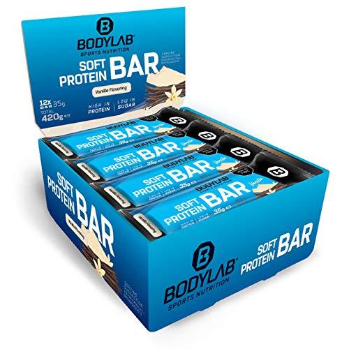 Bodylab24 Soft Protein Bar 12 x 35g, Kleiner softer Protein-Riegel mit einer Extraportion Protein, 11g Eiweiß pro Riegel, High Protein Low Sugar, Fitness-Snack mit wenig Zucker, Vanille