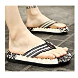 Chanclas para Hombre Summer moda masculinos zapatillas de goma de masaje del pie clip grande tamaño de playa transpirable sandalias y zapatillas bizcocho resistentes al desgaste Sandalias y Chanclas
