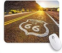 ECOMAOMI 可愛いマウスパッド 日没時のモハーベ砂漠の太陽の下で歴史的なルート66の道路標識 滑り止めゴムバッキングマウスパッドノートブックコンピュータマウスマット