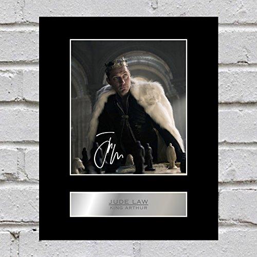Jude Law montiert Foto Display King Arthur