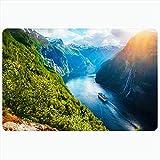 Alfombra de baño para baño Alfombrillas antideslizantes Hermoso turismo Impresionante Noruega Vista turística cerca de Sunnylvsfjorden Crucero por el fiordo de verano Naturaleza Decoración de felpa Fe
