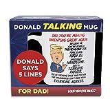 ドナルド トランプのしゃべりコーヒーマグ お父さん用 – 単純に持ち上げるマグカップ – お父さんに個人的な挨拶を伝える – トランプの本物の声 – 楽しいトランプギフト – 男性用面白いコーヒーマグ