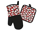 Disney Kitchen Oven Mitt/Glove and Square Potholder Set w/Neoprene for Easy Non-Slip Gripping - Protect Your Hands in The Kitchen - Heat Resistant Kitchen Accessories - Mickey Mouse Gloves (Red)