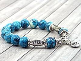 Bracelet pour femme vintage tibétain en perles de jade blanc teinté en bleu et violet avec pampille à motifs chinois