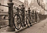 Posterlounge Cuadro de metacrilato 70 x 50 cm: Bicycles on a Promenade de Editors Choice