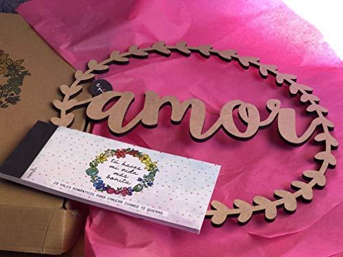 Happymots - Talonario 20 Vales Románticos + Corona de Madera de 33cmØ AMOR - Viene en una Bonita Caja Especial Enamorados - Talonario con 15 Propuestas Para Hacer En Pareja + 5 Vales Para Personalizar