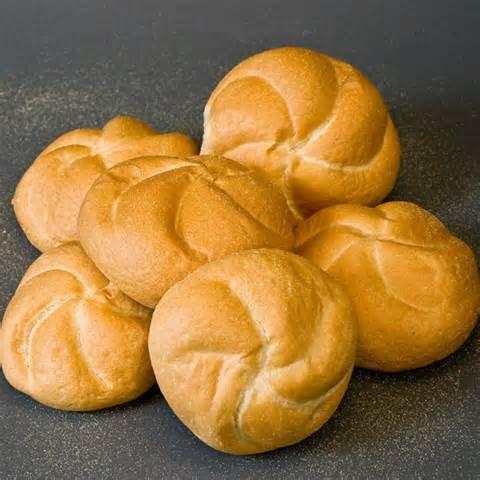 Kaiser rolls - bułki kajzerki