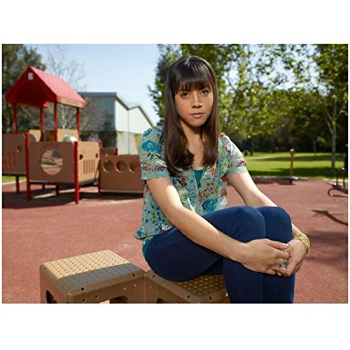Parks and Recreation (2009 - 2015) 8 Inch x 10 Inch Photo Aubrey Plaza Arms Around Legs kn