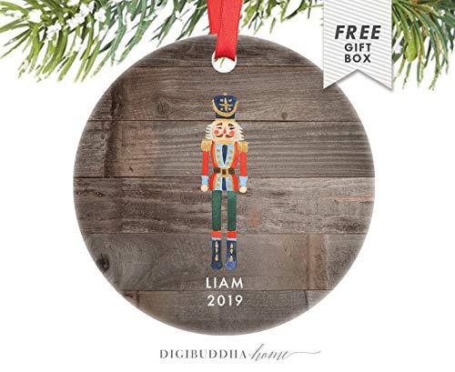 Yilooom Gepersonaliseerde Notenkraker Ornament voor Jongen Baby's Eerste Kerstmis 2019 Kerst Ornament Pasgeboren Baby's 1e voor Nieuwe Ouders - 3