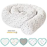 mimaDu Babybettschlange, Nestchen, Bettrolle (210 x10 cm) Bettumrandung für Kinderbett - weich und kuschelig - ÖKO-Tex zertifiziert Sternen Muster (weiss-grau)