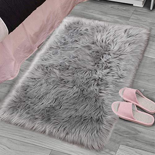 YJ.GWL Super Soft Faux Sheepskin Fur Area Rugs for Bedroom Floor Shaggy Plush Carpet Faux Fur Rug Bedside Rugs, 2 x 3 Feet Rectangle Grey