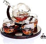 Globe Dekanter Set für Alkohol - neue große Karaffe mit Holzstich- personalisiertes Whisky Geschenkset mit 4 Gläsern für Whisky, Scotch, Likör, Bourbon, Wodka und Brandy