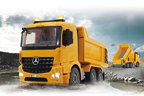 RC Auto kaufen Baufahrzeug Bild 4: Jamara 404940 - Muldenkipper Mercedes-Benz Arocs 2,4 GHz - Kippmulde hoch / runter, realistischer Motorsound, Hupe, Rückfahrwarnsound, 4 Radantrieb, gelbe LED Signallichter, programmierbare Funktionen*