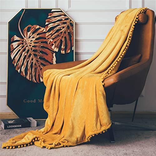 DEZENE Manta de Franela con Pompones, Manta de Felpa Suave para Sofá Cama, Manta Gruesa y Esponjosa, Manta de Felpa de Franela,130 x 150cm,Amarillo