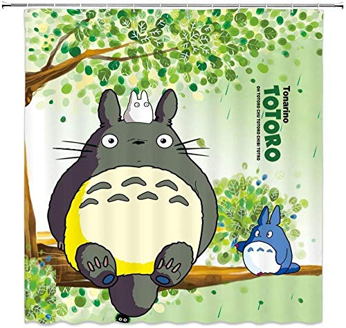 QAZX Karikatur-Duschvorhang Netter Totoro der auf grünem Baum-dekorativem Gewebe-Badezimmer-Vorhang Microfiber-Badezimmer-Duschvorhang sitzt Moderner Badezimmer-Vorhang 71x71 Zoll