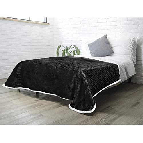 PAVILIA Sherpa Blanket Throw for Couch Sofa Bed   Black, Super Soft, Plush Chevron Throw Fleece Blanket   Zig Zag Fuzzy Fluffy Decorative Blanket Microfiber, 60x80