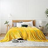 Bedsure Manta Cama 150 Invierno - Manta Sofa Extra Grande de Franela Suave, Mantas 220x240 cm para Cama 135, Mostaza Amarillo