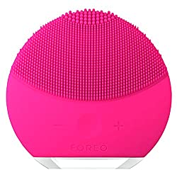 FOREO-Facial-Cleansing-Exfoliation-Fuchsia