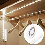 Luce per Armadio, OriFiil 1,5M 45LED Striscia LED con Sensore di Movimento, 6000K Luci LED a Batteria per Camera da Letto, Scale, Corridoio, Cucina, Guardaroba etc-Auto/On/Off