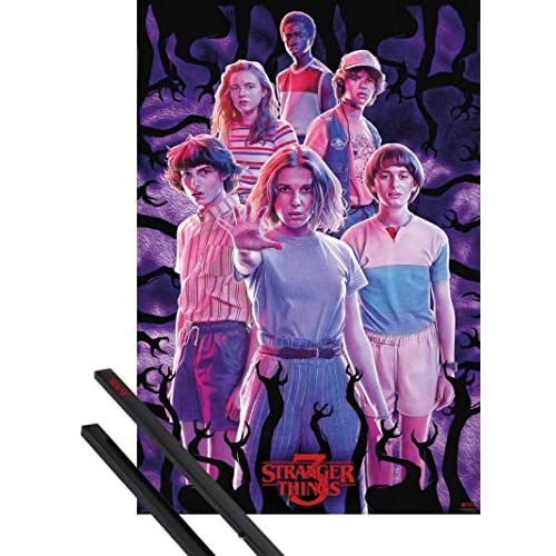 1art1 Stranger Things Poster Stampa (91x61 cm) 3, Group E Coppia di Barre Porta Poster Nere
