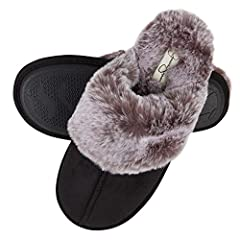 SIZING: Available in size Small (US 6 -7), Medium (US 7 8), Large (US 8-9), Slipper is narrow in width, if you have wide feet we recommend buying a size up MEMORY FOAM: thick memory foam cushion add support and comfort for all day wear ANTI SLIP SOLE...