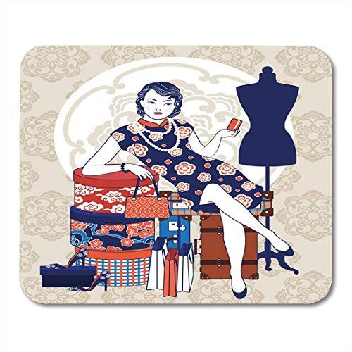 Mauspads Chinesische Vintage Dame mit Box Einkaufstasche Grunge Reisekoffer und Zubehör in Aktion auf braunem Mauspad für Notebooks, Desktop-Computer Büromaterial