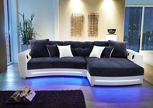 lifestyle4living Ecksofa in Weiß (Kunstleder) und Blau (Microfaser) inkl. Multimediapaket | Sofa hat 6 Kissen | Funktionssofa mit LED-Beleuchtung