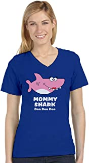 Tstars - Mommy Shark Doo doo doo Gift for Mom V-Neck Fitted Women T-Shirt