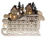 Clever Creations - Calendario dell'Avvento a Forma di Slitta con Villaggio - Decorazione Natalizia in Legno con 24 finestrelle Illuminate per Countdown - Altezza 28,5 cm