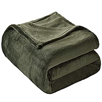 VEEYOO Flannel Fleece Blanket Queen Size - Olive Green Throw Blankets for Couch Warm Lightweight Bed Blankets and Throws Luxury Soft Microfiber Blankets for Teen Adults Pets  90x90 Inch Bed Throws