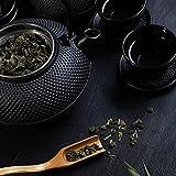 Lumaland Tee Set 12-teilig – 1,4 Liter Gusseiserne Teekanne, Stövchen, Dosierlöffel, Sieb, 4 Teebecher und 4 Untersetzer - 6