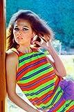 Claudia Cardinale Mini-Poster, buntes Kleid, 28 x 43 cm