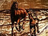 Natur-Fell-Shop Kuscheldecke Tagesdecke Decke Motiv Pferd mit Fohlen braun 160x200cm