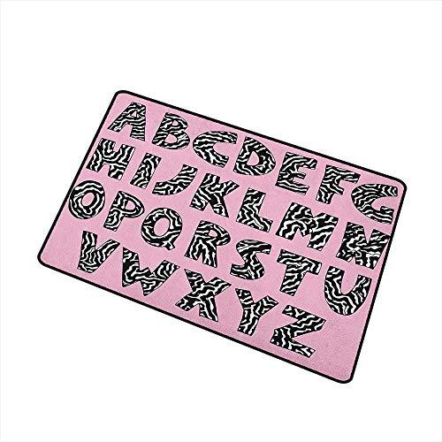 Kinhevao Rosa Zebra-Haustürmatte Teppich Funky Buchstaben geschrieben in Zebra-Haut-Streifen-Tierthema-Entwurf Maschinenwaschbare Türmatte Baby-Rosa-Schwarzweiss-Badematte