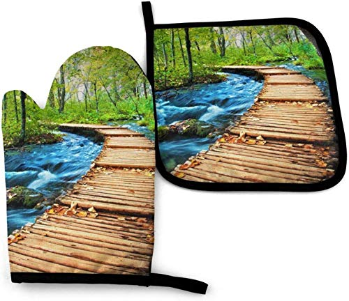 MODORSAN Wooden Bridge Stream Water Kitchen Oven Mitts and Pot Holders Sets of 2,Resistant Polyester Waterproof Oven Gloves Kitchen Mitts for Cooking Baking