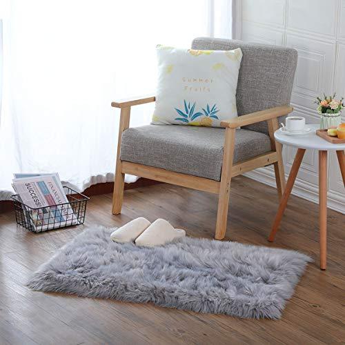 KAIHONG Faux Peau de Mouton en Laine Tapis (60 x 90 cm) Imitation Toison Moquette Fluffy Soft Longhair Décoratif Coussin de Chaise Canapé Natte (Gris, 60 x 90cm)
