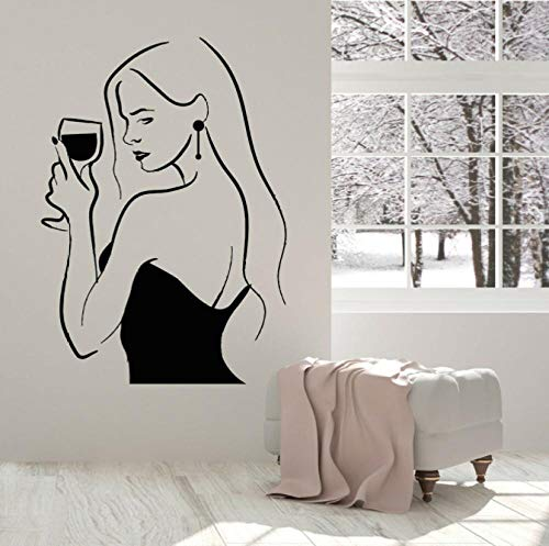 Sexy Gilr con botella de vino calcomanía de vinilo para pared Alcohol Bar signo bebida mujer dama copa de vino pegatinas para ventana hogar arte Mural 58x42cm