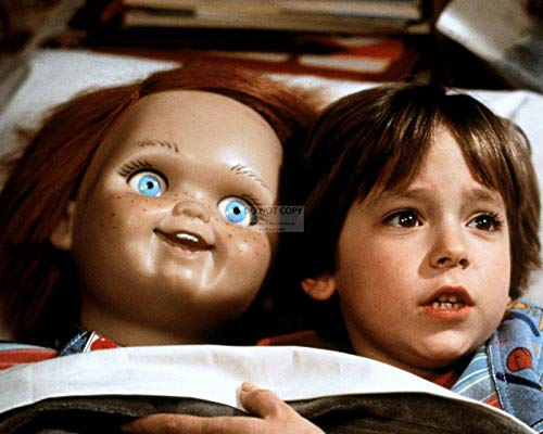 bucraft Alex Vincent & Evil Doll Chucky in The Film Child's Play 8X10 Photo (ZY-330)