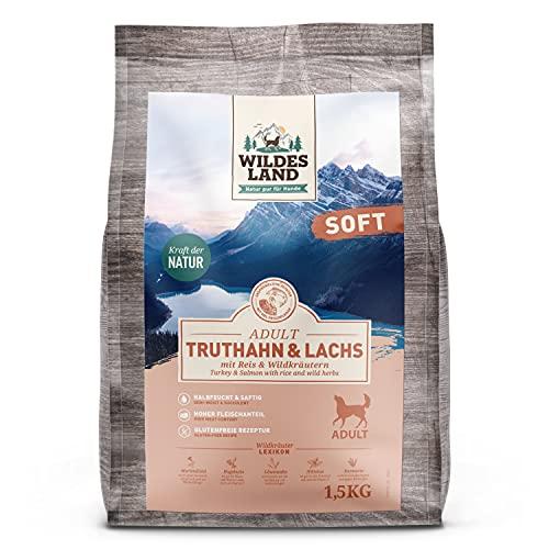 Wildes Land | Halbfeuchtes Trockenfutter für Hunde | Truthahn & Lachs | 1,5 kg | Soft mit Reis und Wildkräutern | Glutenfrei | Extra viel Fleisch | Für alle Hunderassen | Beste Akzeptanz